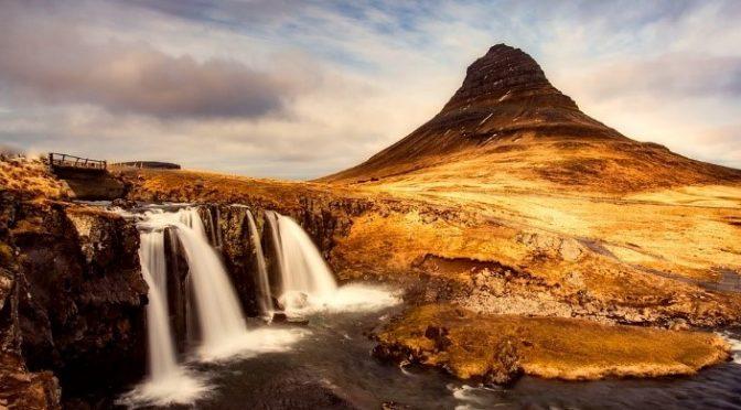 สุดยอดสถานที่ท่องเที่ยวของประเทศไอซ์แลนด์